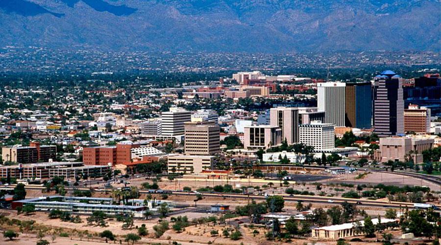 Tucson AZ skyline Howchen Wikimedia Commons